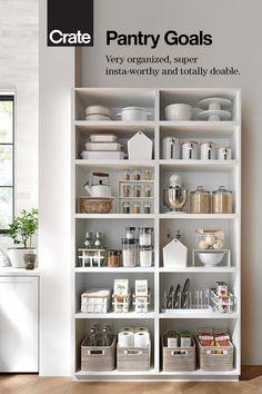 Kitchen Pantry Design, Kitchen Organization Pantry, Home Organisation, Home Decor Kitchen, Interior Design Living Room, Home Kitchens, Diy Home Decor, Hall Closet Organization, Kitchen Ideas