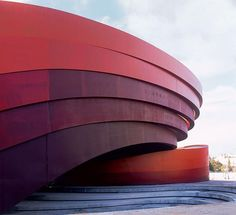 The Design Museum Holon by Ron Arad located in Israël. Layers of COR-TEN steel with degrees of weathering wrap around the two main gallery buildings. The design has a sculptural approach, combining ingenuous and playful functionality with a visual sculptural design. This example of architect fascinates me because it moves and flows with a sense of peace and serenity.