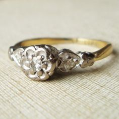 Art Deco Flowers and Hearts Diamond Engagement Ring, Vintage 18k Gold Diamond Ring, Vintage