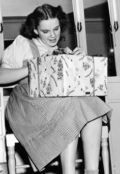 "judygarlandgifs: "" Judy Garland opening a gift during the filming of The Wizard of Oz "" Fred Astaire, Judy Garland, Everything Is Awesome, Over The Rainbow, Wizard Of Oz, Vintage Hollywood, Vintage Movies, Actresses, Actors"