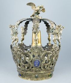 Rare German or Silesian Torah crown, circa 1620, possibly the oldest crown known.
