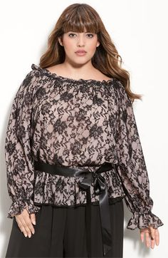 loose fitting. Cute!