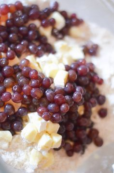 Switch up your scones w. these brie scones w. champagne grapes - delectably sweet with a hint of savory. This champagne grape recipe is perfect for brunch! Baking Scones, Champagne Recipe, How To Make Scones, Cherry Scones, English Scones, Homemade Scones, Grape Recipes, Perfect Breakfast, Brie