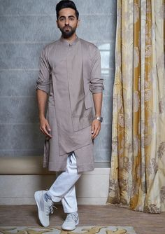 We have inculcated his best looks, for every wedding function. Bookmark ShaadiSaga and get ready with your trending outfit inspiration from Ayushmann Khurrana Wedding Kurta For Men, Wedding Dresses Men Indian, Wedding Dress Men, Mens Indian Wear, Indian Groom Wear, Mens Wedding Wear Indian, India Fashion Men, Indian Men Fashion, Mens Fashion