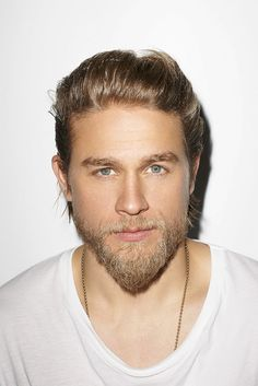 Those eyes are beyond gorgeous. I wanna find Charlie Hunnam & make him my husband.