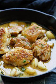 NZ Easy Creamy Garlic Chicken Recipe In under 30 Minutes @ AppetizerGirl.com