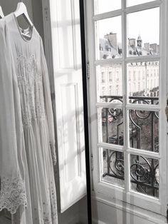 Damoy Showroom Paris Pic by Lochner