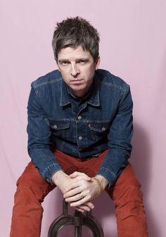 Noel Gallagher in De Volkskrant, 28.02.2015. Photo by Els Zw.