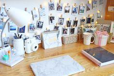 College dorm: freshman year dorm desk decor, dorm desk organization, dorm r Dorm Desk Decor, Dorm Desk Organization, Dorm Room Desk, Bedroom Desk, Girls Bedroom, Organization Ideas, Office Decor, Bedrooms, Visual Merchandising