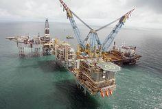 1746.jpg (735×496) Oil Platform, Marine Environment, Tug Boats, North Sea, Drilling Rig, Oil Rig, Oil Industry, Oil And Gas, Catamaran