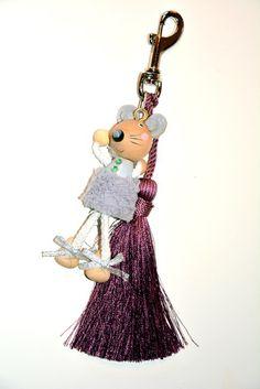 Bijou de sac ou porte clé souris grise et pompon mauve : Autres bijoux par maloka