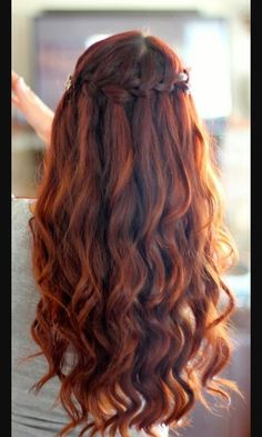 Cute Hairstyle that is pretty for any type of event!