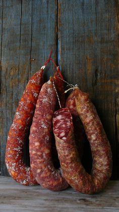 Wild Boar Sausage http://www.hotelsinsardegna.org/gourmet/piatti-tipici/antipasti/