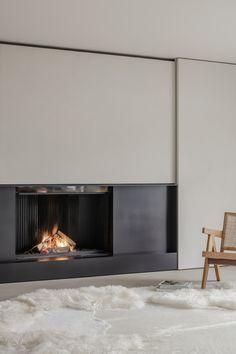 Project DD is a minimalist residence designed by Belgium-based architect Pieter Vanrenterghem Modern Fireplace, Fireplace Wall, Fireplace Design, Minimalist Interior, Minimalist Living, Interior Architecture, Interior Design, Decoration, Interior Inspiration