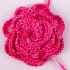 Ravelry: Crocheted Rose FREE pattern by Heidi Bears.