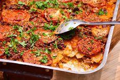 Alt i et fad med oksekød, spidskål og kartofler