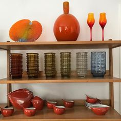 Szkło i porcelana z kolekcji Beaty Bochińskiej Bone China, Teak, Liquor Cabinet, Art Deco, Polish, Plates, Cool Stuff, Antiques, Nice