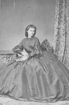 Königin Marie von Neapel, Königin beider Sizilien, geborene Herzogin in Bayern (1841-1925). 1861 mußte sie auf der Festung von Gaeta kapitulieren und ins Exil nach Rom gehen.