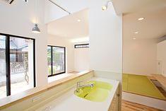 バルコニーの屋根が特徴的な家・間取り(愛知県一宮市) |ローコスト・低価格住宅 | 注文住宅なら建築設計事務所 フリーダムアーキテクツデザイン