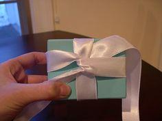 How to tie a Tiffany Bow — Roxanna Sarmiento Gift Wrapping Bows, Wrapping Ideas, Gift Wraping, Tiffany And Co, Tiffany Blue, Arts And Crafts, Diy Crafts, Ribbon Bows, Ribbons