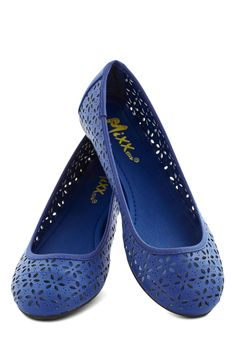 Lyrical Limerick Flat in Blue. These blue ballet flats are so sweet, with ribbons that ring 'round your feet. #blue #modcloth