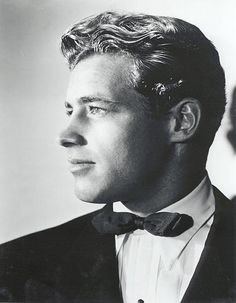 Guy Madison, He was absolutely Gorgeous! Hollywood Men, Old Hollywood Stars, Old Hollywood Glamour, Golden Age Of Hollywood, Vintage Hollywood, Classic Hollywood, Hollywood Cinema, Vintage Gentleman, Vintage Men
