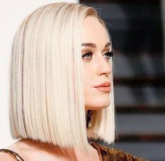 f (@quiveringIip) | Twitter Anna Hair, Blonde Haircuts, Trending Haircuts, Wig Styles, Hair Color Highlights, Blonde Blunt Bob, Hair Affair, Hair 2018, Blunt Haircut
