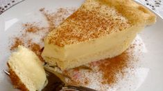 (Milktart) I think this is the melktert (milk tart) pie that absolutely wonderful!I think this is the melktert (milk tart) pie that absolutely wonderful! South African Desserts, South African Dishes, South African Recipes, Africa Recipes, Ethnic Recipes, Sweet Pie, Sweet Tarts, Tart Recipes, Dessert Recipes