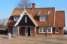 Woning Losser 2 House Styles, Cabins, Homes, Home Decor, Farmhouse, Ideas, Cottages, Houses, Room Decor