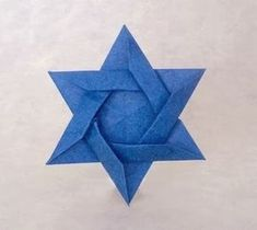Origami Jewish Religion and the books showing you how to make them. Learn more on Gilad's Origami Page. Hanukkah Crafts, Jewish Crafts, Hanukkah Decorations, Origami And Kirigami, Paper Crafts Origami, Diy Origami, Oragami, Origami Star Instructions, Happy Hannukah