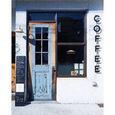 Coffee Coffee Shop Design, Cafe Design, Store Design, Cafe Restaurant, Restaurant Design, Street Coffee, Shop Facade, Coffee To Go, Bar Interior