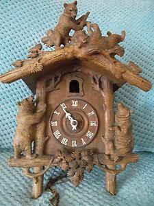 EXCEPTIONAL RARE ANTIQUE BLACK FOREST BEAR CARVED WOODEN CUCKOO CLOCK