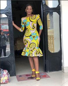 """""""Thanks for stopping by! An ankara dress made from quality ankara print to make you appear extremely elegant. Suitable for prom and other events. Please note that it can be sewn with other beautiful… Photos Comments """" Short African Dresses, Ankara Short Gown Styles, Short Gowns, Ankara Gowns, African Fashion Ankara, Latest African Fashion Dresses, African Print Fashion, Nigerian Fashion, African Attire"""