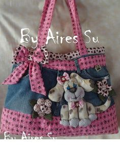 How to make bag from old jeans - Simple Craft Ideas Jean Crafts, Denim Crafts, Patchwork Bags, Quilted Bag, Blue Jean Purses, Denim Purse, Diy Tote Bag, Recycle Jeans, Fabric Bags