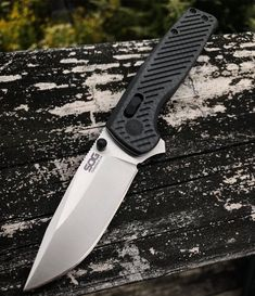 Cool Knives, Knives And Tools, Knives And Swords, Tactical Knives, Tactical Gear, Edc Tools, Survival Gear, Firearms, Carbon Fiber