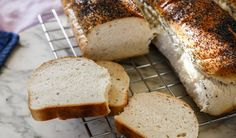 bröd i långpanna Fika, Banana Bread, Breads, Desserts, Cakes, Bread Rolls, Tailgate Desserts, Deserts, Cake Makers