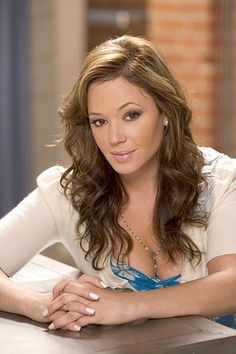 Leah Remini from The King of Queens. Everyone says I look like her but I really wanna work on my hair.
