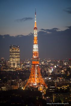 Tokyo Tower by Forrest Brown Beautiful World, Beautiful Places, All About Japan, Go To Japan, Tokyo Tower, Beauty Around The World, Japanese Streets, Nihon, Architecture