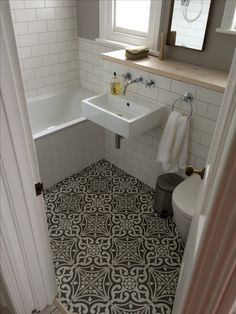 Definitely copying these tiles for our downstairs bathroom #tonsoftiles great…