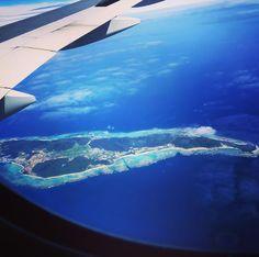 瑠璃色の地球 20170524 #airplane #blueocean #beautifuljapan #japan #okinawa #travel #飛行機の車窓 #たぶん伊平屋島