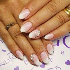 babyboomer french nails with cirkons swarovski