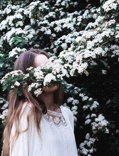 Michèle van vliet girls and flowers/// foto pose, foto tumbl