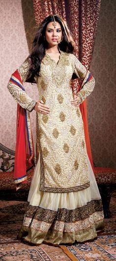 81156: Exclusive Lehenga modeled by Actress ESHA GUPTA. Shop now! #EshaGupta