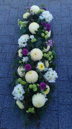 Ikebana, Floral Wreath, Wreaths, Spring, Flowers, Decor, Fake Flower Arrangements, Floral Arrangements, Floral Crown