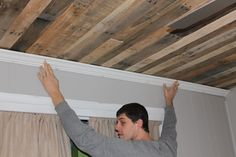 rustic ceiling made with pallets