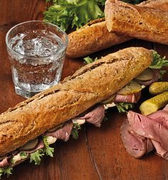 Patonki ja juoma, 6,90 €. Picnicin herkullisten patonkien makuina paahtopaisti, kinkku, juusto, kana bbq ja vege. Tarjous sisältää 0,3 litran juomatölkin. Norm. 8,10 €.  PICNIC, 2. KRS