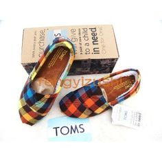 I've always wanted a pair of TOMS but never found any that really tripped my trigger... until these.....