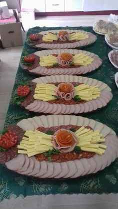 24 ideas on serving platters for the Rumänische Rezepte ., 24 ideas on serving platters for the Rumänische Rezepte . Party Food Platters, Party Trays, Party Buffet, Serving Platters, Meat Trays, Meat Platter, Fruit Buffet, Charcuterie Platter, Veggie Tray