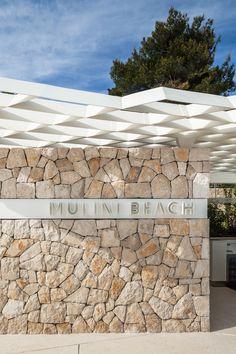 Mulini Beach by Studio « Landscape Architecture Works Landscape Walls, Landscape Architecture, Landscape Design, Stone Cladding, Wall Cladding, Wall Exterior, Exterior Design, Stone Feature Wall, Sandstone Wall
