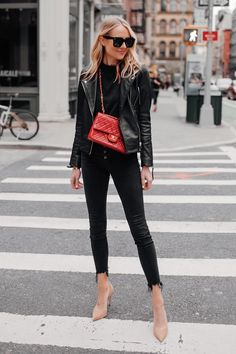 my style Fashion Jackson Wearing Black Leather Jacket Black Skinny Jeans Red Chanel Handbag Nude Pum Street Style Outfits, Street Style Edgy, Street Chic, Fall Street Styles, Chanel Street Style, Urban Apparel, Nyc Fashion, Autumn Fashion, Fashion Outfits